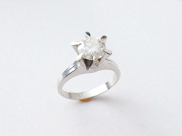 ご婚約指環ダイヤモンドをプチネックレスにリフォーム 【1781】