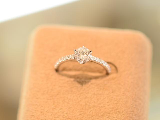 お祖母様からお孫嫁様へ代々受け継がれるダイヤモンドをリングにリフォーム 【2015】