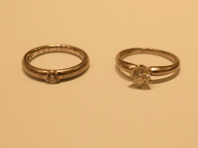 婚約指輪を成人式のお祝いとしてイニシャルのペンダントに【2030】