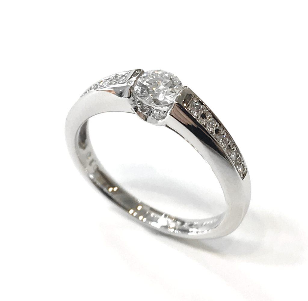 立爪の婚約指輪を普段使い用のペンダントにリフォーム【2093a】