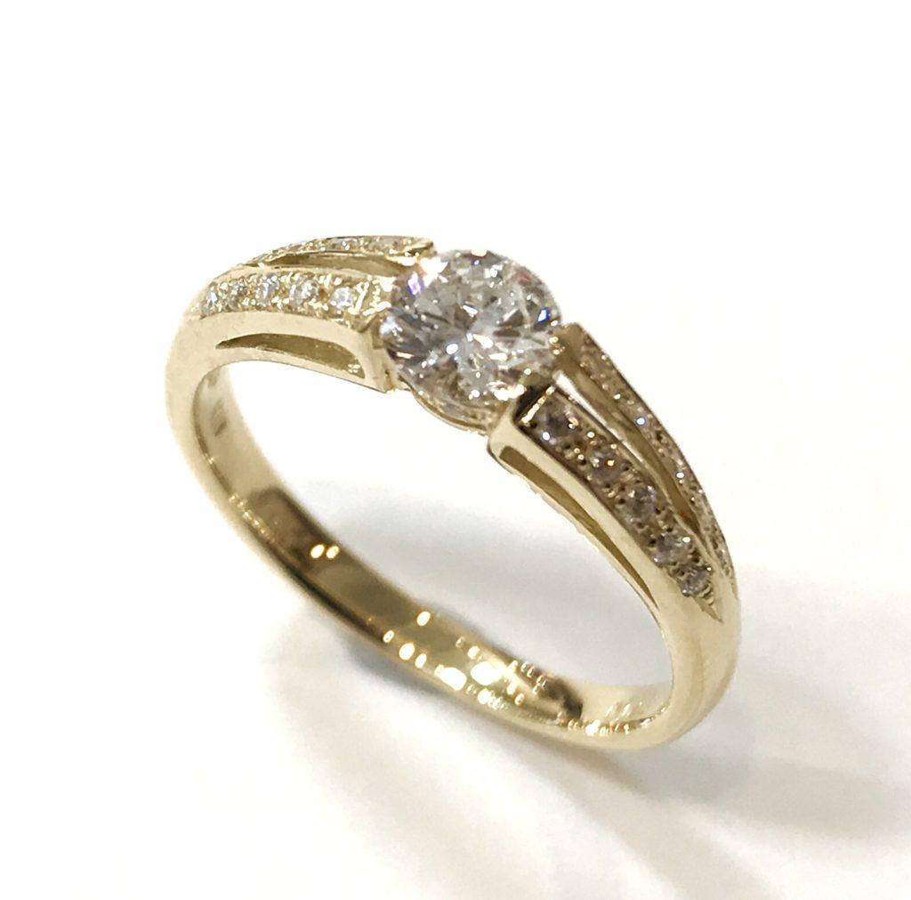ご婚約指輪をゴールドのリングにリフォーム【2094a】