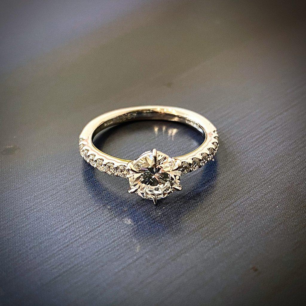 古い立て爪ダイヤモンド婚約指輪をリフォーム【2137a】