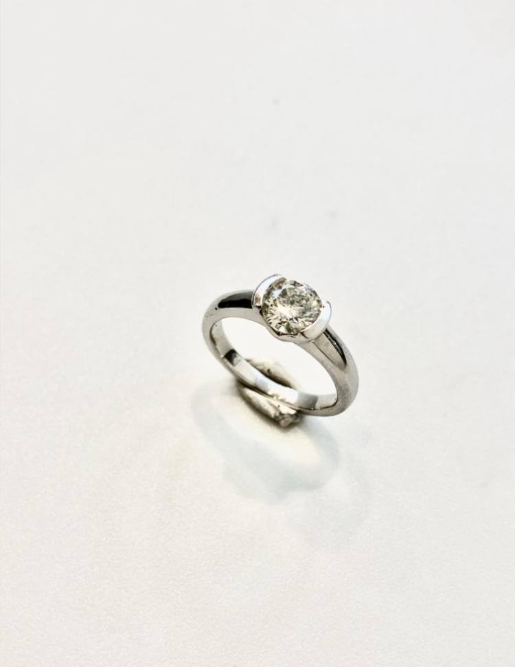 古くなった婚約指輪をリフォームジュエリー【2160】